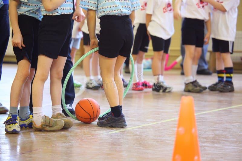 dzieci cieków sala s sporty zdjęcia stock