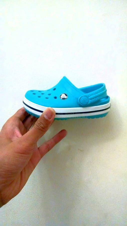 Dzieci crocs buty fotografia stock