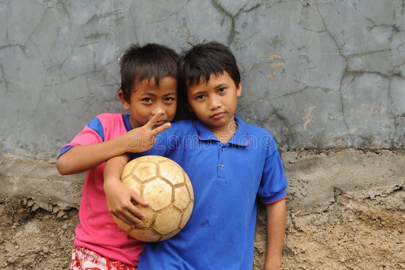 dzieci przyjaciół ubóstwo zdjęcia royalty free