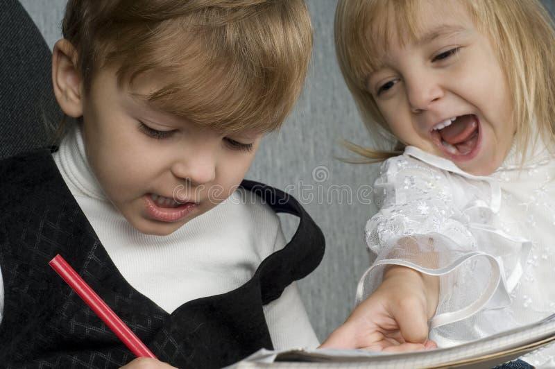 Download Dzieci szczęśliwi zdjęcie stock. Obraz złożonej z offtrack - 13335128