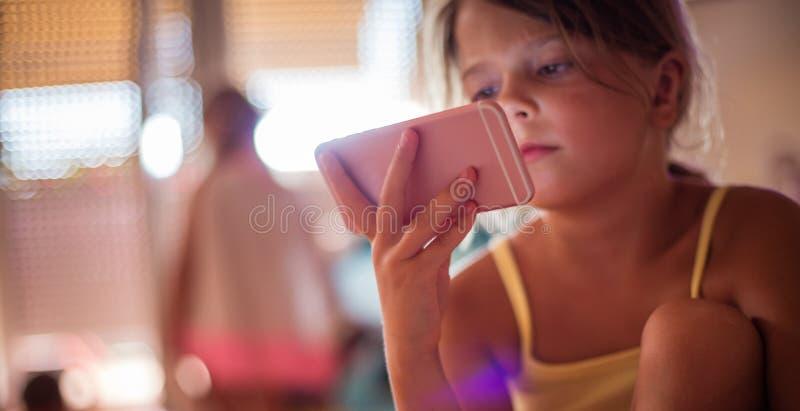 Dzieci szybko uczą się zdjęcie stock