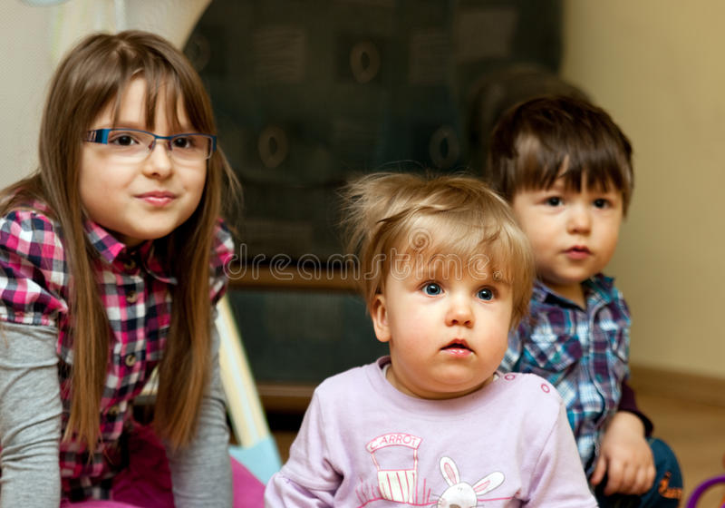 dzieci target418_1_ wpólnie obraz stock