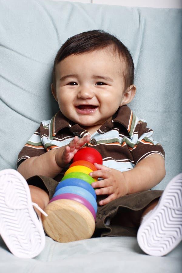dzieci uśmiechnięci young zabawek zdjęcia royalty free