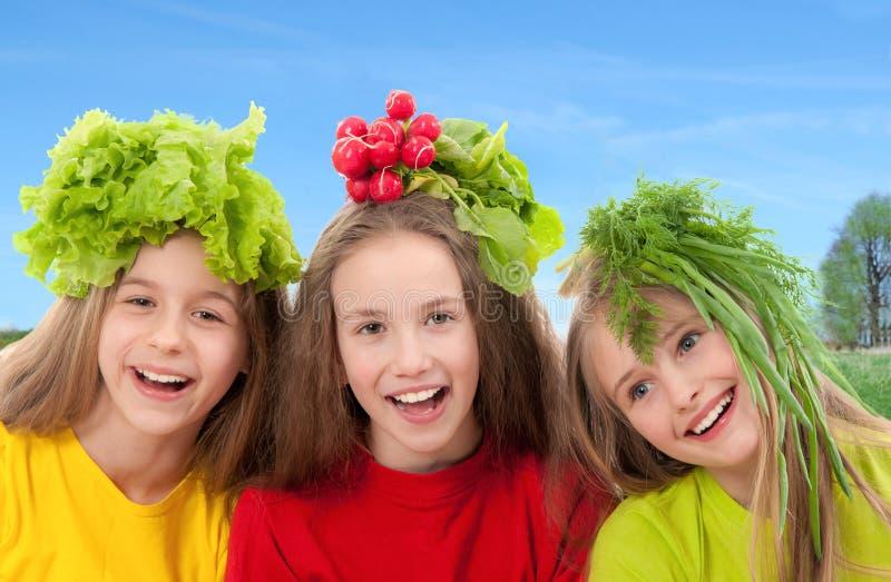 Dzieci z warzywami obrazy royalty free