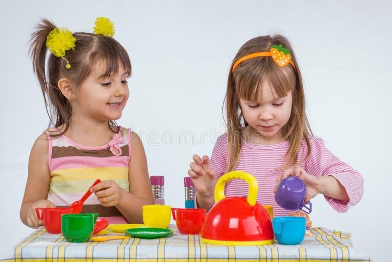 Dzieciaków bawić się obraz stock