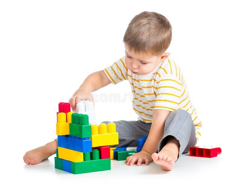 Dzieciak chłopiec bawić się obrazy stock
