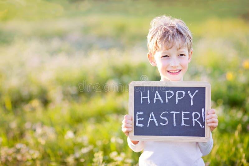 Dzieciak przy Easter czasem obrazy royalty free