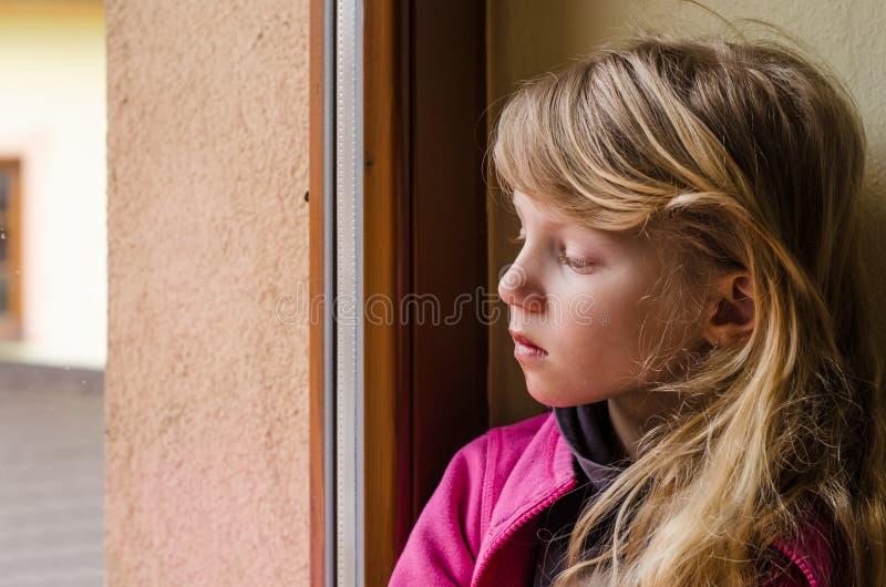 dzieciak trochę smutny fotografia royalty free