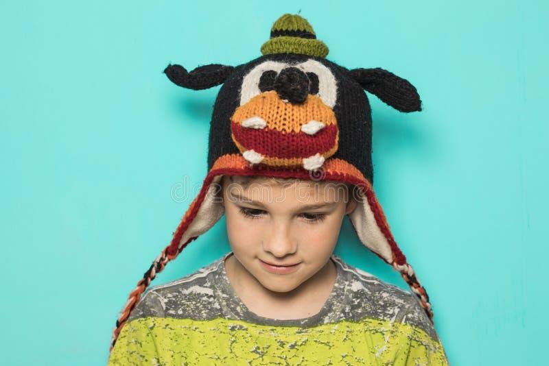 Dzieciak w śmiesznym kapeluszu zdjęcie royalty free