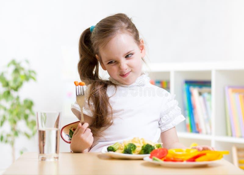 Dzieciaka odmawianie jeść jego gościa restauracji zdjęcia royalty free
