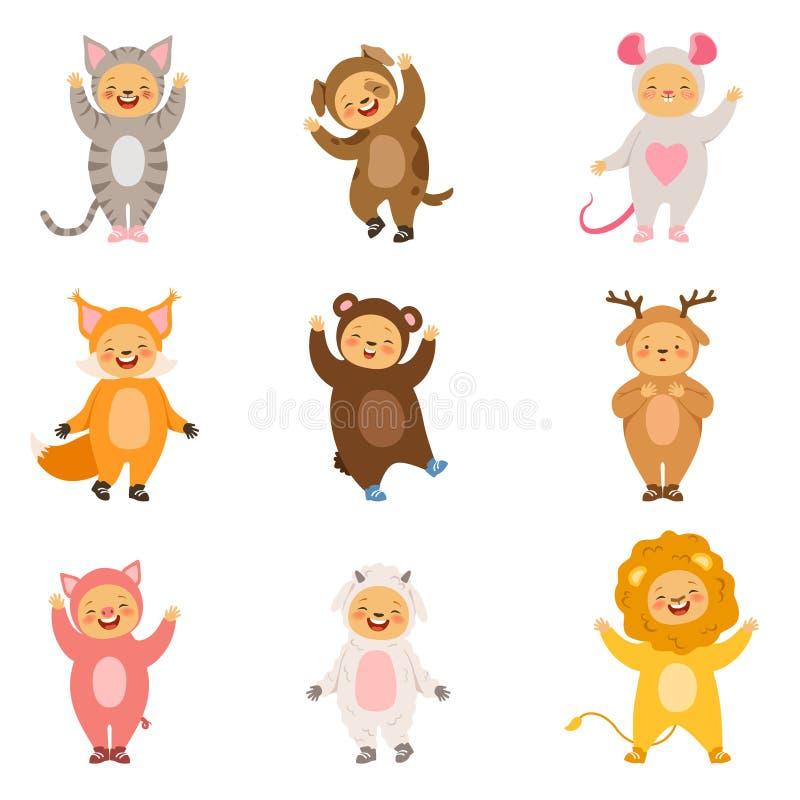 Dzieciaki bawją się kostiumy śmieszni kreskówek zwierzęta Wektorów obrazki odizolowywają na bielu royalty ilustracja