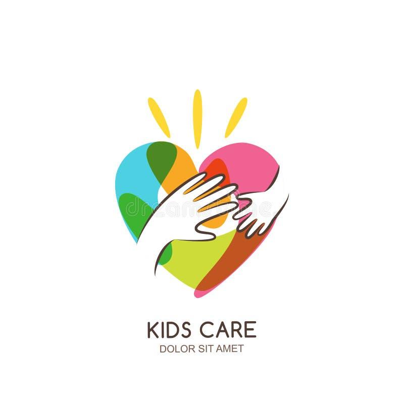 Dzieciaki dbają, rodziny lub dobroczynność loga emblemata projekta szablon, Wręcza patroszonego serce z dziecka i dorosłego ręk s ilustracja wektor