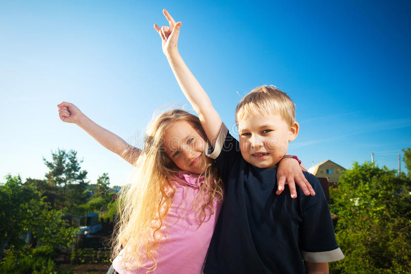 Dzieciaki przy latem fotografia stock