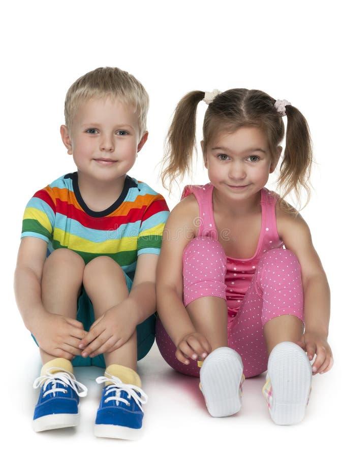 Download Dzieciaki Target1756_0_ Dwa Obraz Stock - Obraz złożonej z eurydice, przyjemność: 41951303
