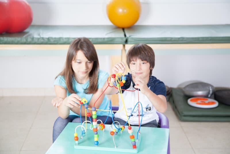 Dzieciaki w rehabilitaci zdjęcia stock