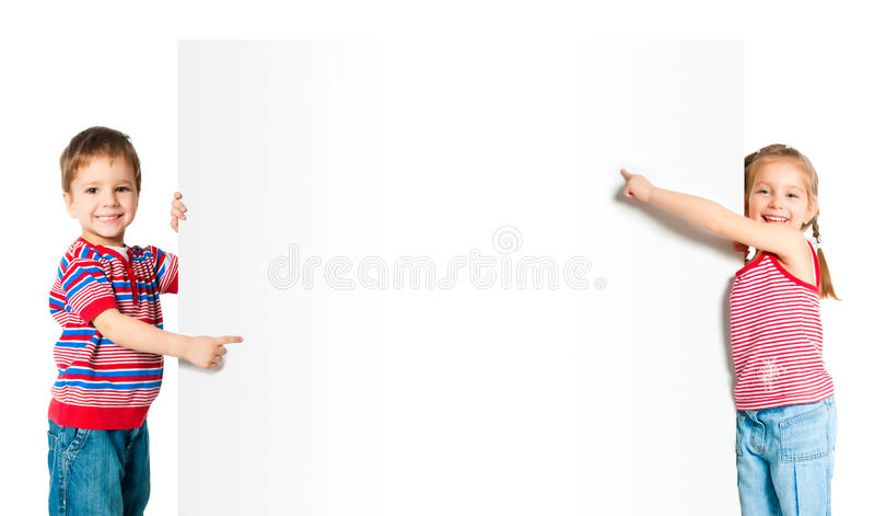Dzieciaki z białym sztandarem zdjęcia stock