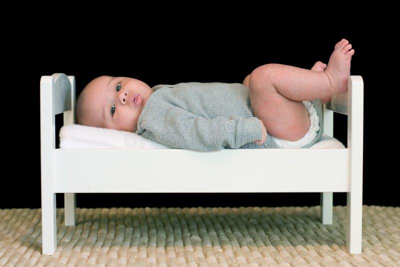 dziecka łóżka duży mały obraz stock