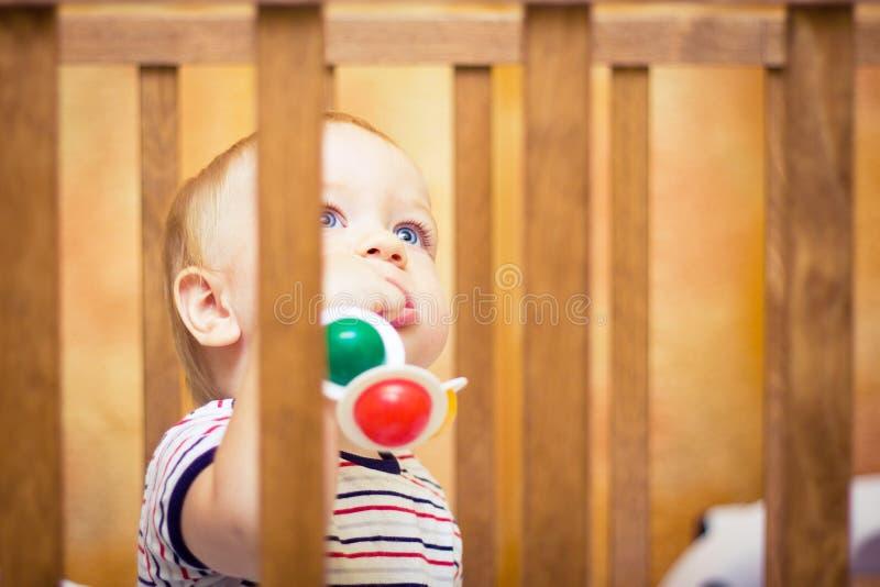 dziecka łóżko polowe zdjęcia royalty free