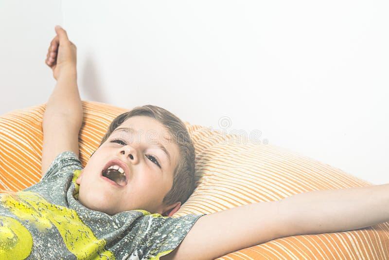 dziecka łóżkowy dosypianie zdjęcia stock