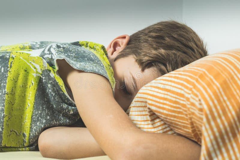 dziecka łóżkowy dosypianie obraz stock