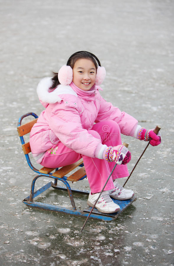 dziecka azjatykci jazda na łyżwach obraz royalty free