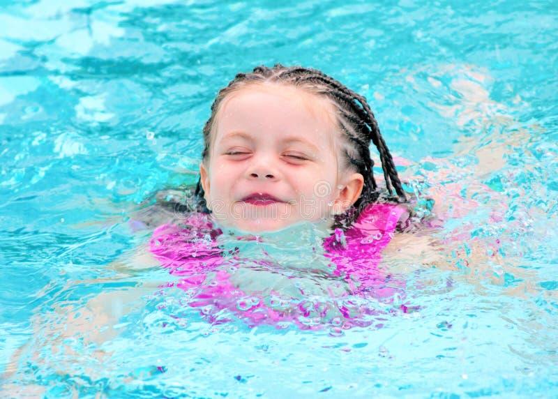 dziecka basenu pływaccy potomstwa obrazy royalty free