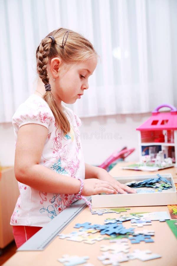 dziecka bawić się śliczny zdjęcie stock