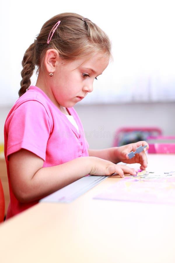 dziecka bawić się śliczny obraz royalty free