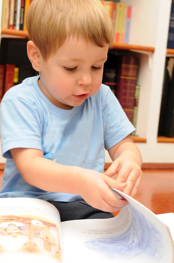 dziecka czytanie obraz royalty free