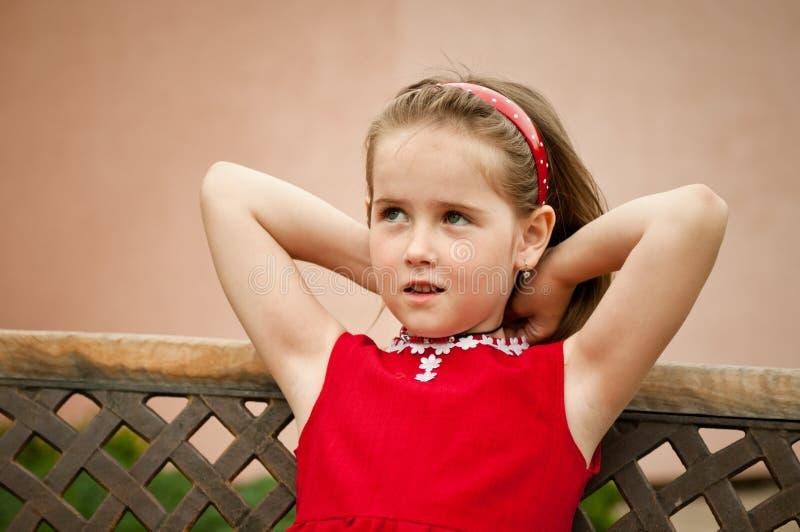 dziecka dziewczyny portreta czerwień mała fotografia royalty free