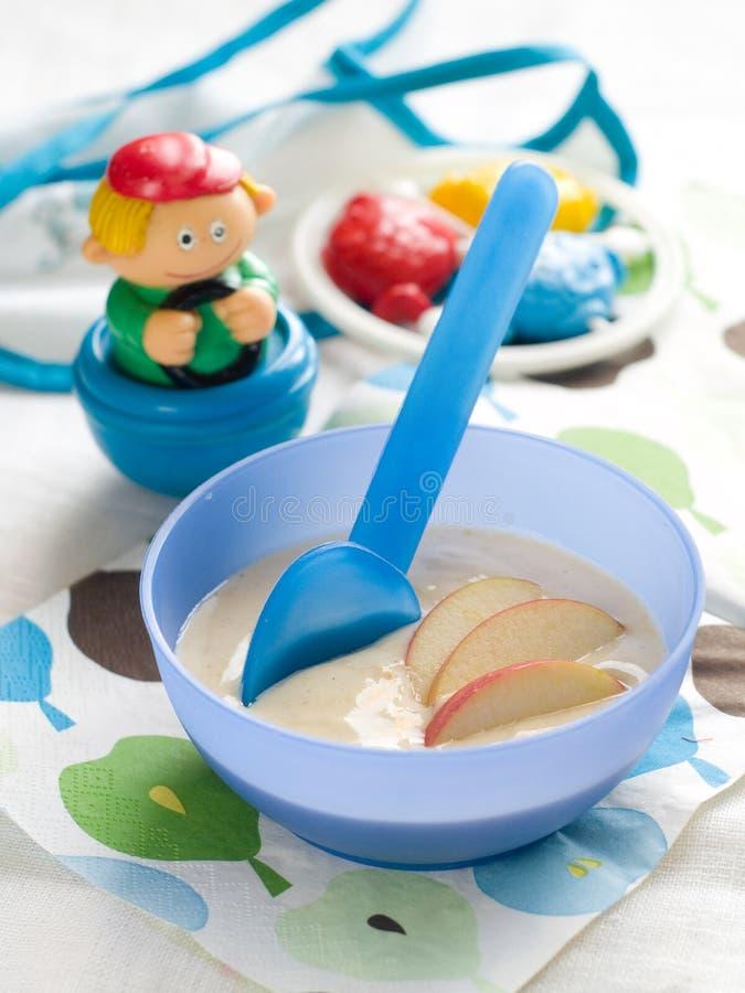 Dziecka jedzenie zdjęcie royalty free