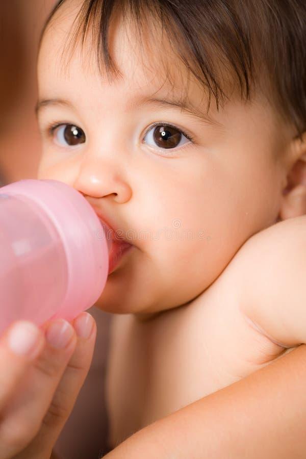 dziecka karmienie zdjęcie royalty free