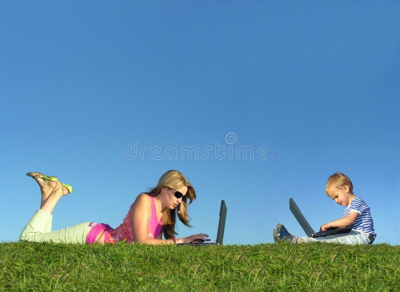 dziecka kolażu trawy matki notatniki obraz stock