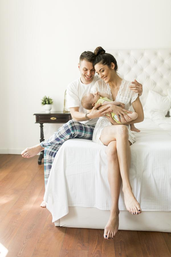 dziecka nowonarodzony rodzinny szczęśliwy zdjęcie royalty free