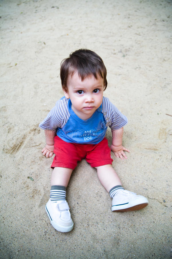 dziecka piaska obsiadanie obrazy royalty free