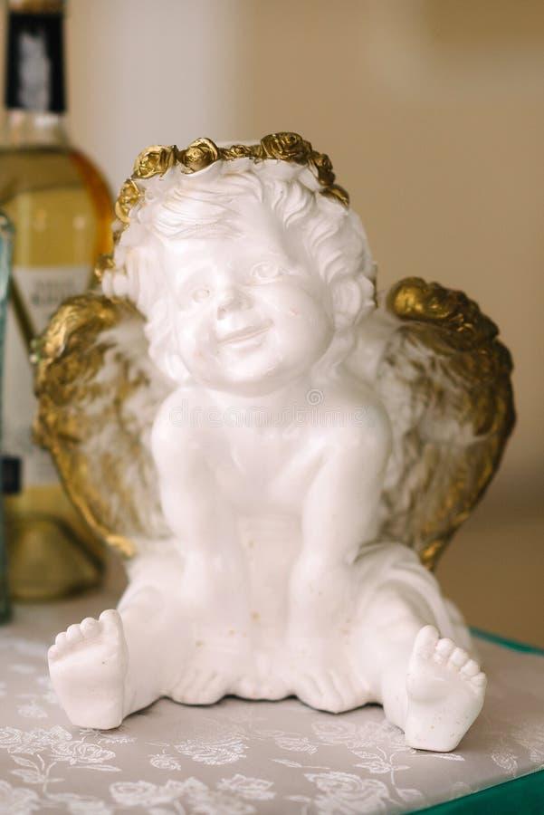 Dziecka ` s amorek z skrzydłami anioł zdjęcia royalty free