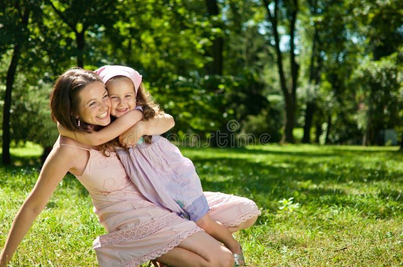 dziecka szczęście jej matka zdjęcie stock