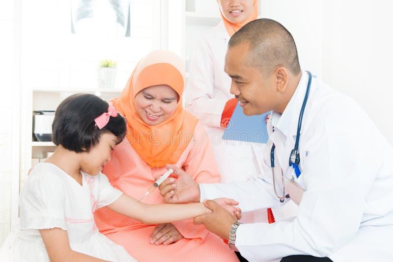 Dziecka szczepienia pojęcie obraz royalty free