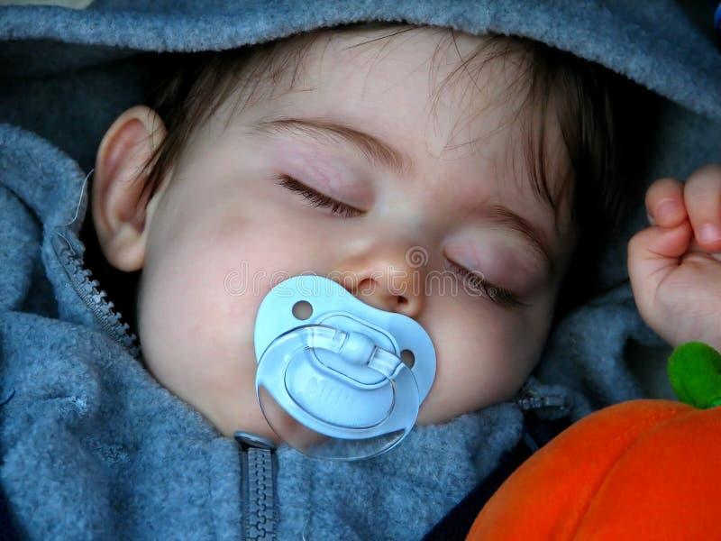 dziecko śpi obraz royalty free