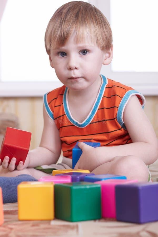Download Dziecko zdjęcie stock. Obraz złożonej z biały, dzieciństwo - 13338816