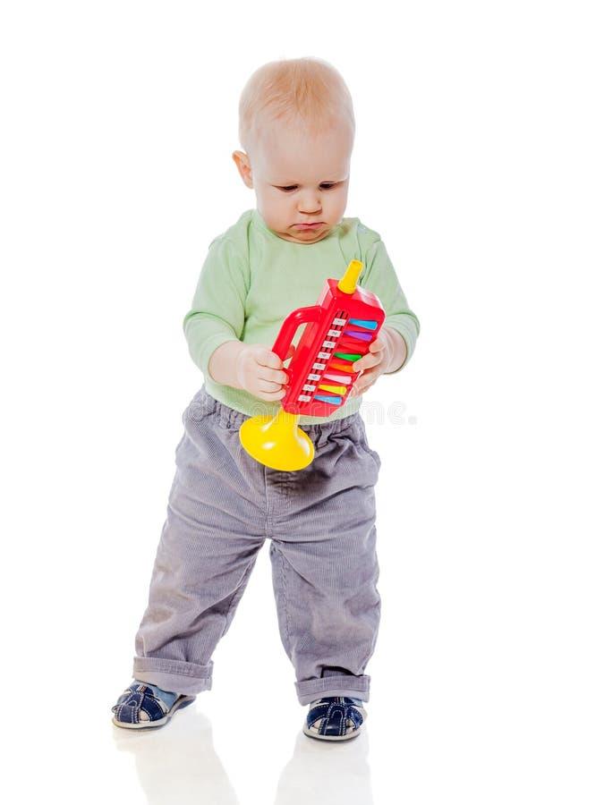 Dziecko bawić się drymbę zdjęcia royalty free