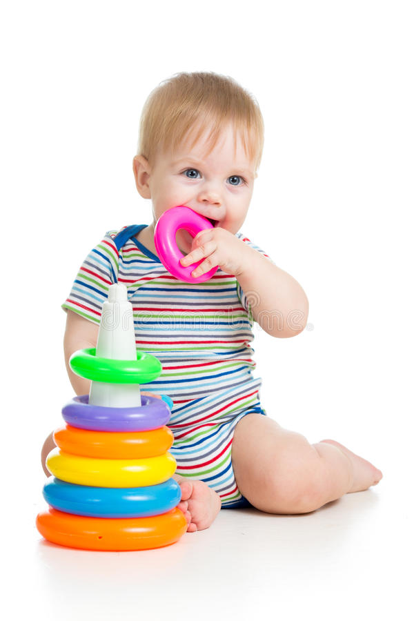 Dziecko bawić się z zabawką obrazy royalty free
