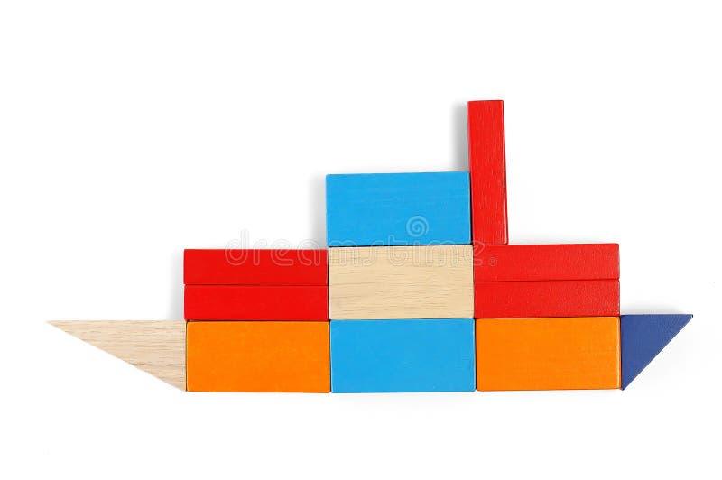 dziecko bloków formie statku zdjęcia stock