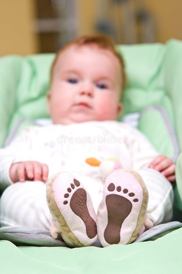 Download Dziecko cieki obraz stock. Obraz złożonej z target30 - 15929303