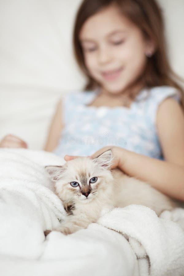 Dziecko i figlarka zdjęcie royalty free