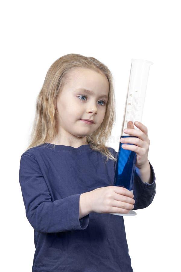 Dziecko jest przyglądający próbna tubka obrazy royalty free