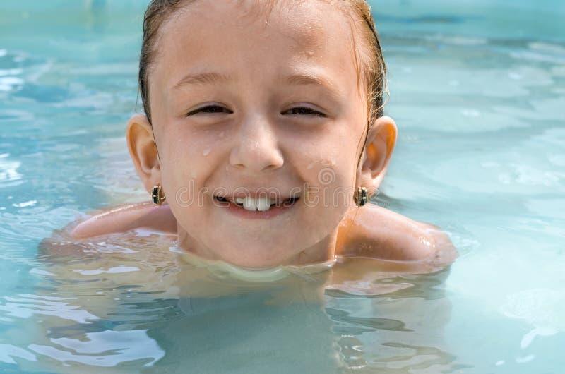 Dziecko kąpać w wodzie zdjęcie stock