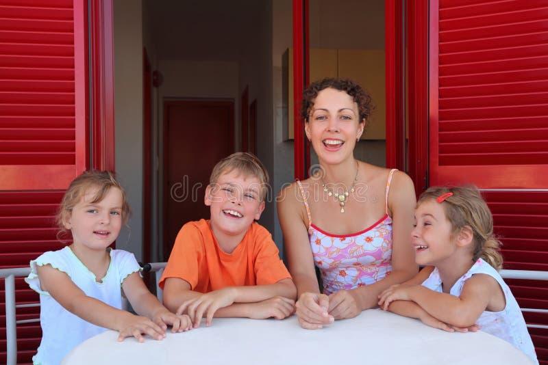 dziecko liczba siedzi werandy kobiety zdjęcie royalty free