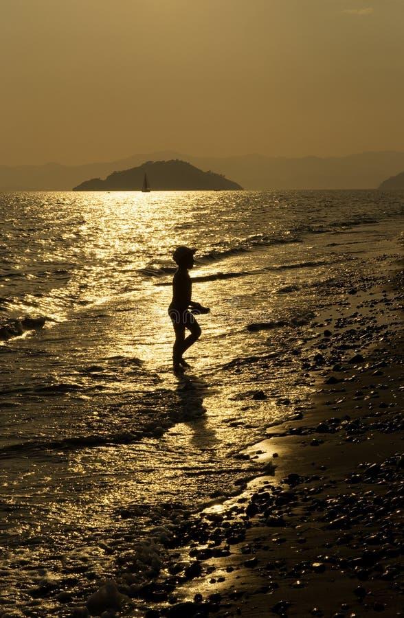 Dziecko na morzu fotografia stock
