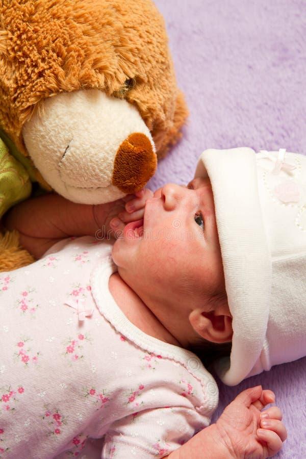 dziecko niedźwiedź zdjęcie royalty free